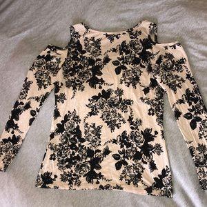 Free Kisses Tops - Long Sleeve (7/8) Floral Shirt